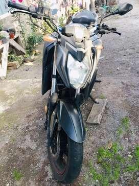 Moto casi nueva