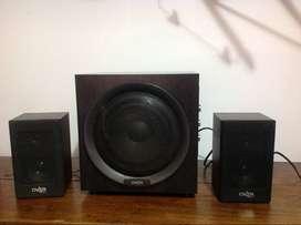 Sistema de Audio Overtech 2.1 Impecable