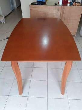 Mesa pocos meses de uso