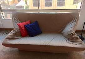 Sofá cama en excelente estado