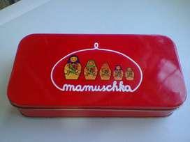 Antigua Lata Mamuschka! Impecable! De colecciòn!