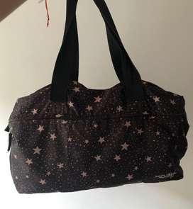 Bolso negro con estrellas - buen estado