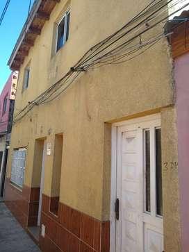 Vendo/Permuto por propiedad en localidad cercana a Rosario. Dos departamentos Planta Alta y Baja, excelentes detalles.