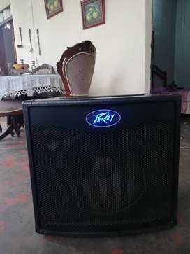 Amplificador de bajo peavey tko 115