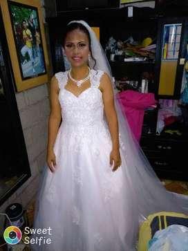 Vestido de novia alta costura, antigüedad 3 años