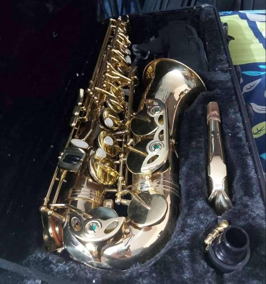 saxofón alto Jinbao + estuche duro
