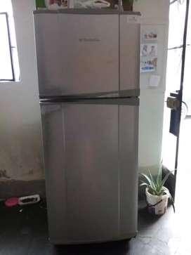 Vendo frigider