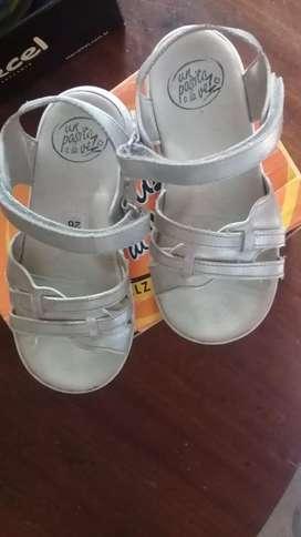 Sandalias-marca..un pasito a las vez