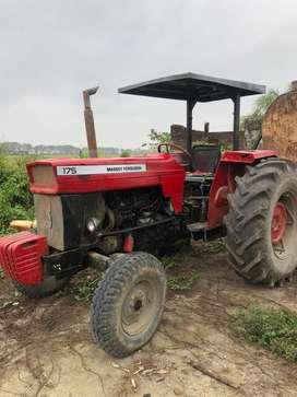 Tractor operativo
