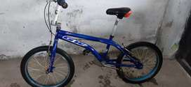 Se vende bicicleta GW azul 200 mil pesos