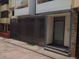 Alquilo departamento bien iluminado en zona tranquila Urbanizacion Santa Maria. (ingenieria Larapa)