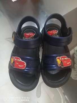 Vendo sandalias Cars