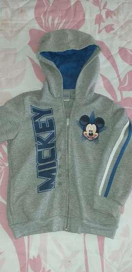 Chaqueta marca Disney talla 4