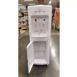 Dispensador de Agua fría y caliente piso 1 con gabinete interior
