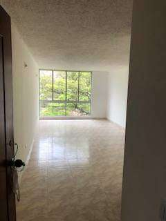 venta apto renovado 3 habitaciones y un estudio 0