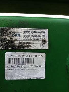 Vendo pala para tractor agrícola marca bison