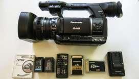 Videocámara HD Panasonic HPX 250 con accesorios como nueva