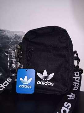 Bolsito Adidas original
