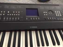 Piano Yamaha DGX 650