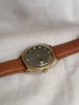 Antiguo reloj longines récord automático.