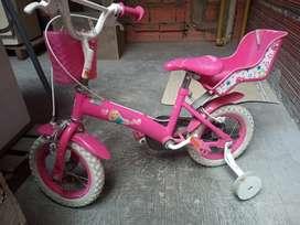 Bicicleta en perfecto estado para niña