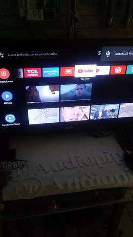 Vendo smart tv de 40 pulg TCL Android semi nuevo