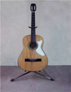 Guitarra clásica- marca Chirieleison