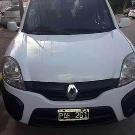 Kangoo furgon vidriada con asientos traseros 2pl  y gnc
