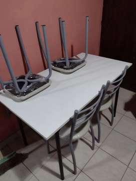 Vendo mesa y 4 sillas