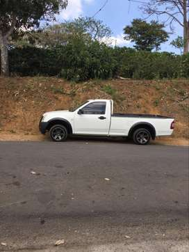 SE VENDE ISUZU D-MAX MANUAL 2008