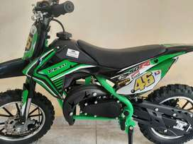 Moto 49 cc, dos tiempos. Nueva sin uso.