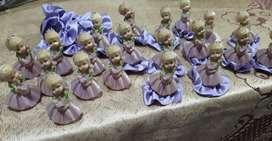 21 muñequitas de souvenir