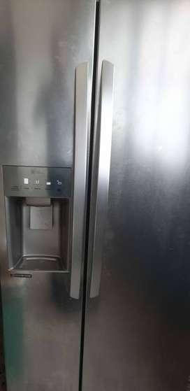 Vendo nevecon lg mas + lavadora secadora 2 en 1samsung