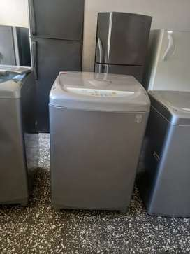 Vendo lavadora de 24 lb con tres meses de garantia