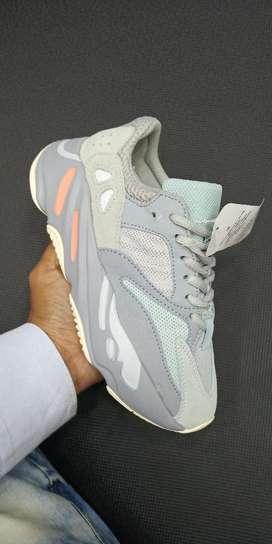 Adidas Yzeey 700