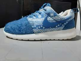 Nike Roshe talla us6.5 4uk 23.5cms