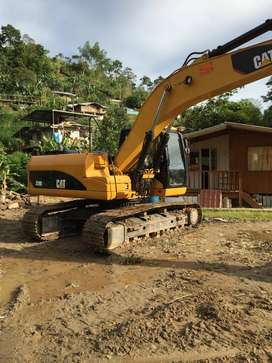 Excavadora Caterpillar 320 DL Año 2009.