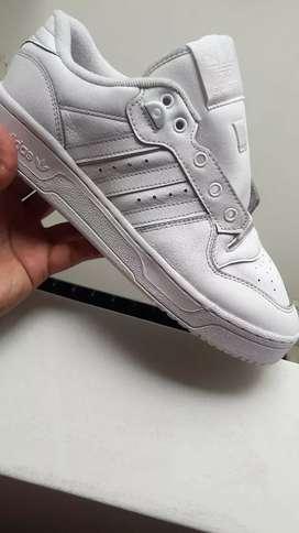 Zapatillas adidas rivalry blanco  no jordan nike dc