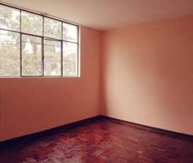 Alquiler en Zárate, SJL. Dpto. 2do. piso frente al parque