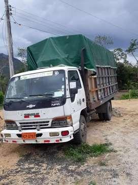 Camión de 5 tonelada chebrolet izuzu matriculado en muy buen estado