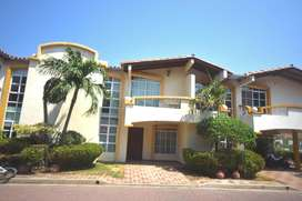 Venta casa condominio Rodadero Reservado