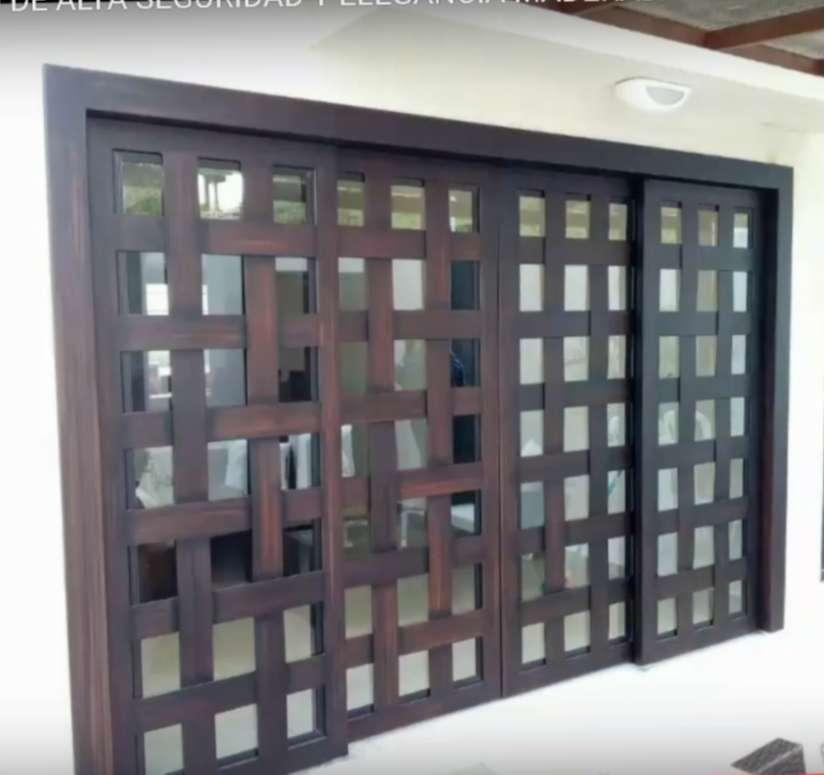 Mamparas y Ventales de Acero maderadas  Elegantes Y Seguras multipunto de alta seguridad. 0