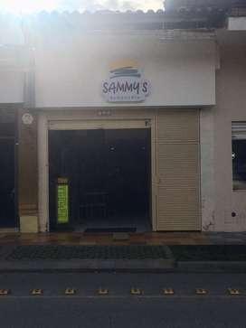 Por motivo de viaje, se vende negocio de comida rápida, con excelente ubicación