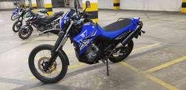 se vente moto XT 660, con accesorios de ultimo modelo xt.