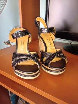 Vendo sandalias  VIZZANO  Nro 36