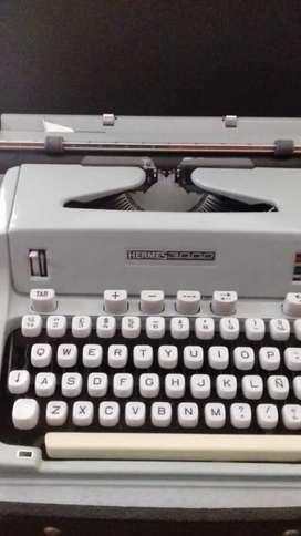 Máquina de escribir Suiza
