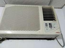 Vendo 2 acondicionadores aire ventana 12000BTU. $150 cada uno