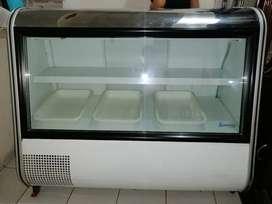 Se Vende Nevera Indufrial IVD-130 Blanca