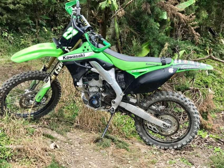 Se Vende o Permuta Kawasaki kx250fi 0