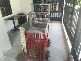 Carro vitrina de venta ambulante con ruedas